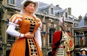 Géants du Nord près de Ferme de Rosembois Gites et chambres d'hôtes à Fournes en Weppes près de Lille